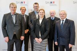 Sportminister Stefan Studt hat am 7. März 18 Schleswig-Holsteiner, die sich in besonderer Weise ehrenamtlich für den Sport engagieren, mit der Sportverdienstnadel des Landes ausgezeichnet.