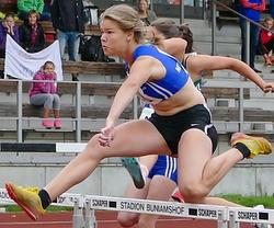Finja Rattunde läuft mit 12,49 Sek. Bestzeit über 80m-Hürden und holt Silber im Block Sprint/Sprung